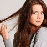 Aceite de coco y limón para normalizar el color natural de pelo