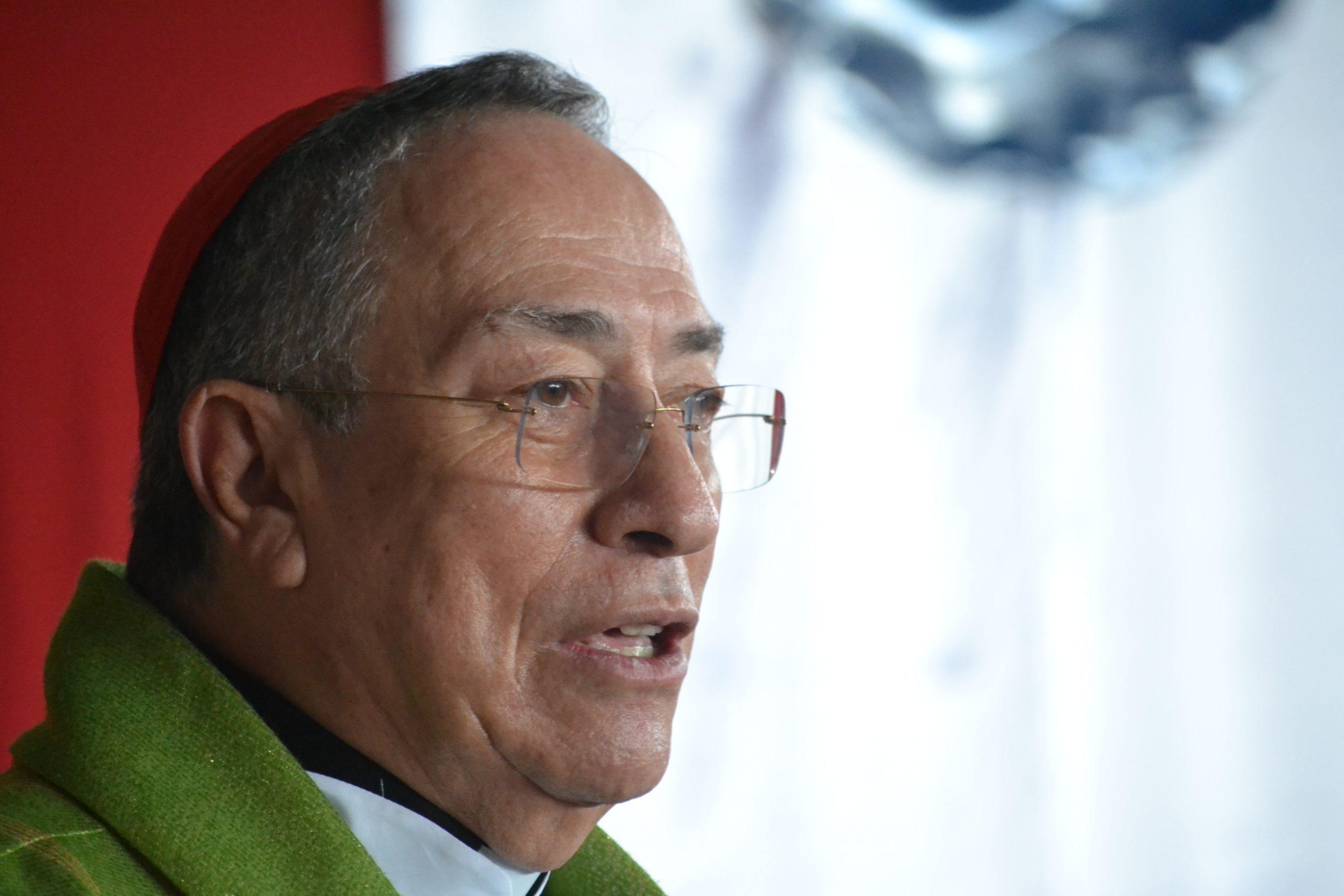Cardenal Óscar Rodríguez tiene COVID-19 pero permanece estable de salud