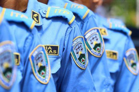 Unos 4,000 policías separados interpondrán millonaria demanda contra Comisión Depuradora