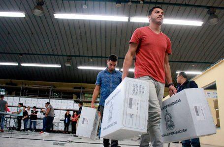 Inicia proceso de producción de maletas electorales de alta calidad