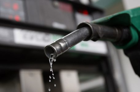 Baja en el precio del petróleo en el mercado internacional se deberá reflejar en Honduras