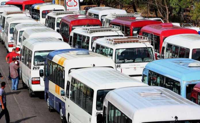 Transportistas anuncian paro nacional por falta de respuestas a sus demandas