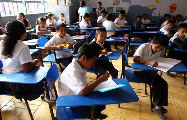 """Educación reitera que las clases siguen suspendidas """"el tiempo que sea necesario"""""""