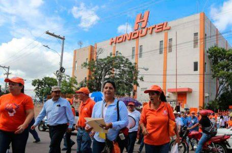 Exigen renuncia del gerente general y presidente del sindicato de Hondutel