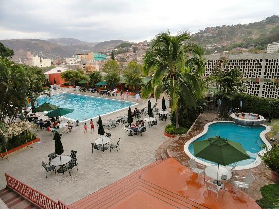 Reservaciones en hoteles rondan del 50% al 75% previo al inicio del asueto para el sector privado