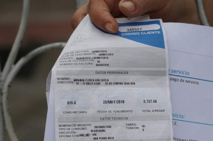 """Abonados esperan que a la CREE """"no se les pase la mano"""" con nueva revisión de la tarifa eléctrica"""