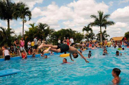 "Asueto de octubre será un ""respiro"" para el sector turismo"
