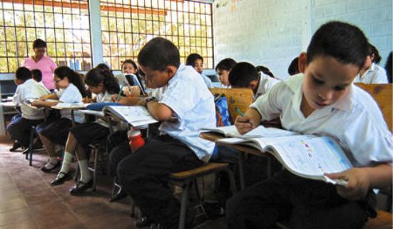 Sistema educativo es lo último que se reabre en una pandemia:Umaña