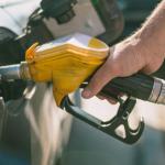 En más de 6 lempiras por galón baja el precio de la gasolina