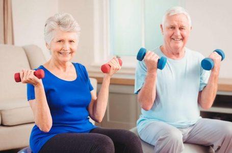 10 ejercicios en casa para personas mayores