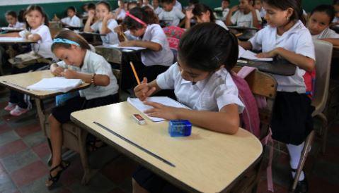 Educación sigue con plan para pilotaje de clases presenciales en todo el país