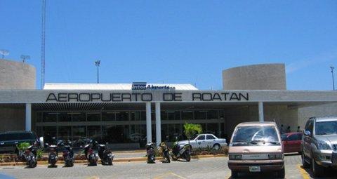 Cierran temporalmente el aeropuerto de Roatán por lluvias