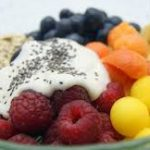 ¿Cenar sólo fruta o yogur es bueno?