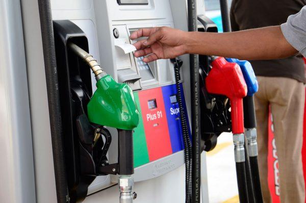 """Subsidios a combustibles son vistos con «buenos ojos"""" por los empresarios privados"""