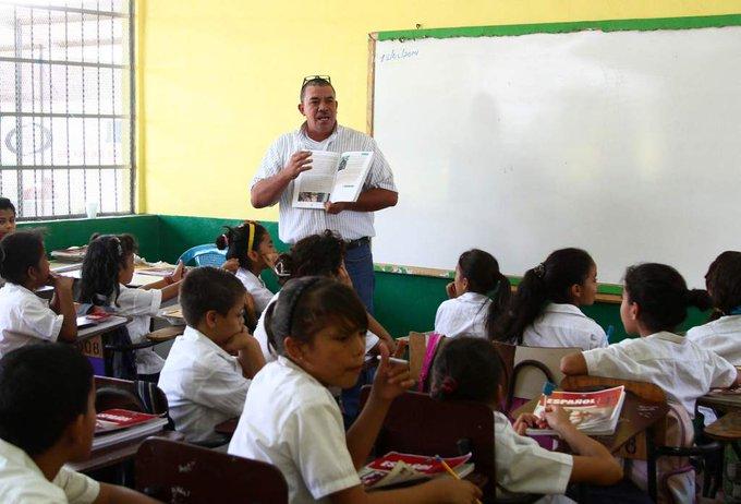Educación asegura que salarios a maestros se están pagando en tiempo y forma