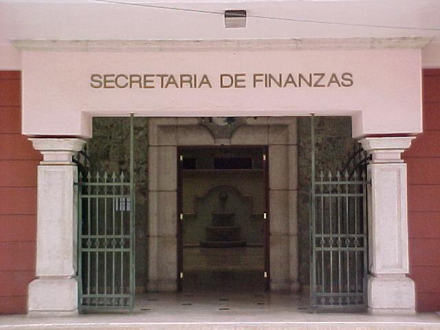 """""""Con dinero prestado"""" Gobierno pagará salarios a empleados públicos"""