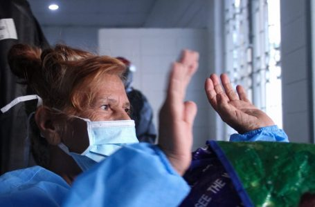 Epidemiólogo recomienda no visitar a las madres, para no tener que hacerlo en el cementerio