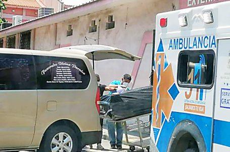 Funerarias reportan sólo en septiembre más de 300 muertes por COVID en SPS