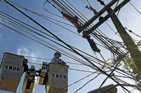 Economista recomienda establecer nueva tarifa para dar un respiro a la ENEE