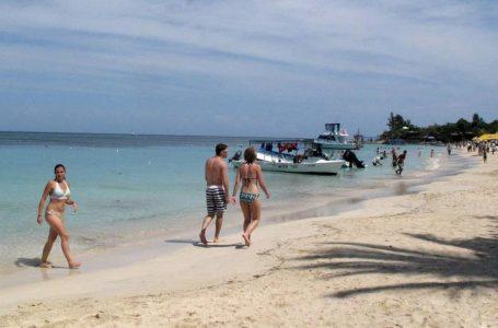 Vacunación dispara a un 32% ocupación hotelera en Islas de la Bahía