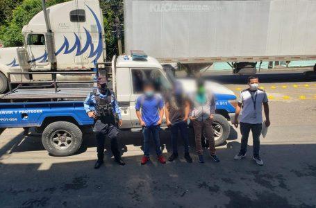 Más de 100 menores que integraban caravana de migrantes han retornado al país