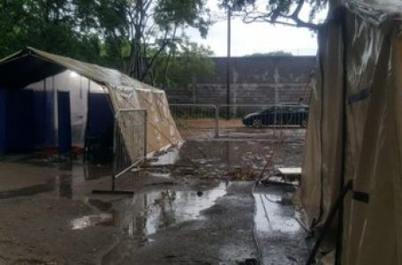 Hospital móvil de Villanueva inundado por las constantes lluvias en la zona