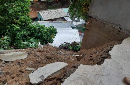 Derrumbes y daños en viviendas dejan efectos de la tormenta tropical Gamma