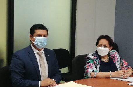 Viceministro de Salud rinde declaración por millonaria compra de mascarillas