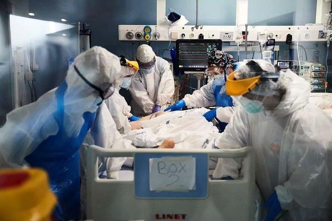 Países Bajos registra la primera muerte por reinfección de coronavirus en el mundo