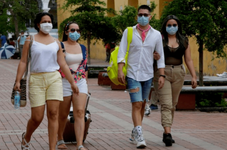 Autoridades reiteran descuentos en hoteles y restaurantes a los vacunados contra COVID