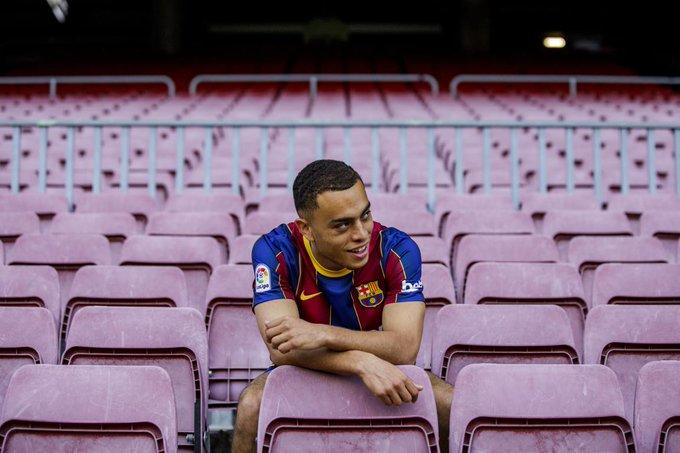 Barcelona ficha al estadounidense Sergiño Dest con un contrato a largo plazo
