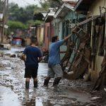 Reportan ocho casos de leptospirosis producto de las inundaciones en el Valle de Sula
