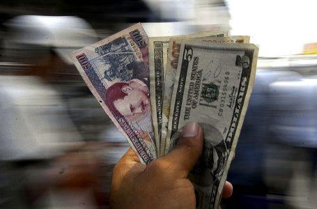 """Economistas consideran """"normal"""" que reactivación económica mueva el dólar"""