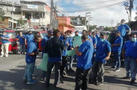 «Mototaxistas» se manifiestan por el no pago de matrícula y legalización de sus unidades