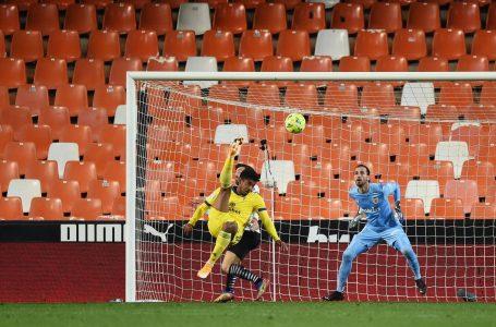 «Choco» Lozano anotó golazo de chilena en empate 1-1 del Cádiz ante el Valencia