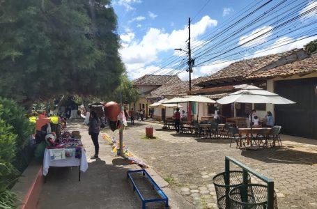 Municipios turísticos de Francisco Morazán comienzan vacunación para reactivar economía