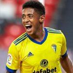 """Equipo de la Premier League hizo una millonaria oferta al Cádiz por el """"Choco"""" Lozano"""