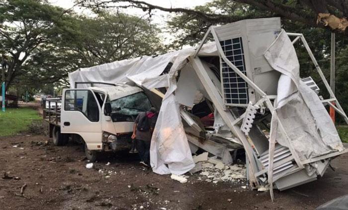 Aseguradora realiza gestiones para comprar unidad dañada del hospital móvil de Olancho