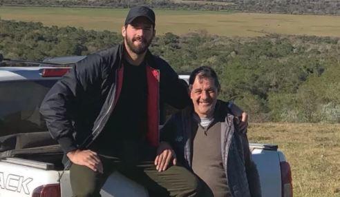 Conmoción en Brasil tras encontrar muerto al padre del portero Alisson Becker