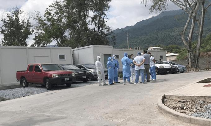 Falta de agua potable en hospital móvil de SPS tiene sin diálisis a enfermos renales contagiados