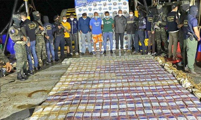 Hacia México iba 1.3 toneladas de cocaína incautada y envían a «La Tolva» a detenidos