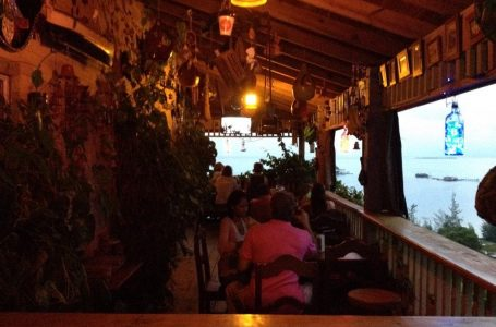 Paralizada la vida nocturna en la isla de Guanaja