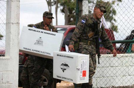FFAA pasan a disposición del CNE para traslado del material electoral