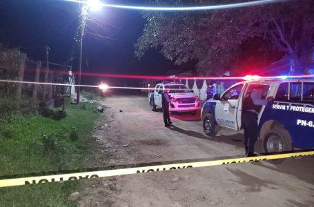 Asesinan a tres hombres y dos mujeres resultan heridas en Villanueva, Cortés