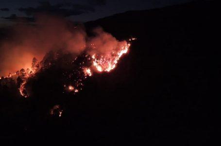 Incendio amenaza varias viviendas y mantiene en zozobra a pobladores Santa Lucía