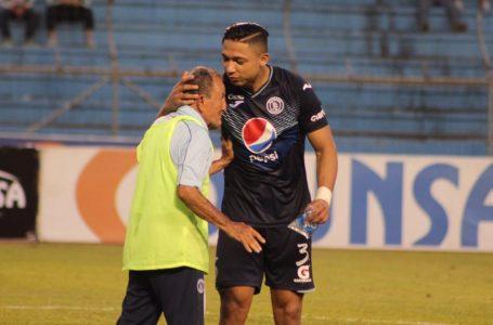 «El fútbol nos pide tomar caminos distintos»: Motagua le dice adiós a Emilio Izaguirre