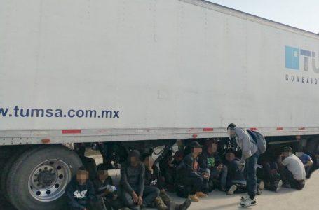 Rescatan a 233 migrantes en México, entre ellos 22 hondureños abandonados en tráiler