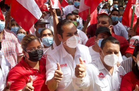 Precandidato a diputado, Javier Santos, es recibido con fervor liberal en Sabana Grande