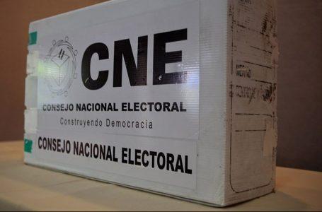 A reunión pleno del CNE en medio de una crisis interna y previo a las elecciones