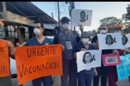 Médicos de SPS continúan exigiendo la vacuna COVID-19 y equipo de bioseguridad